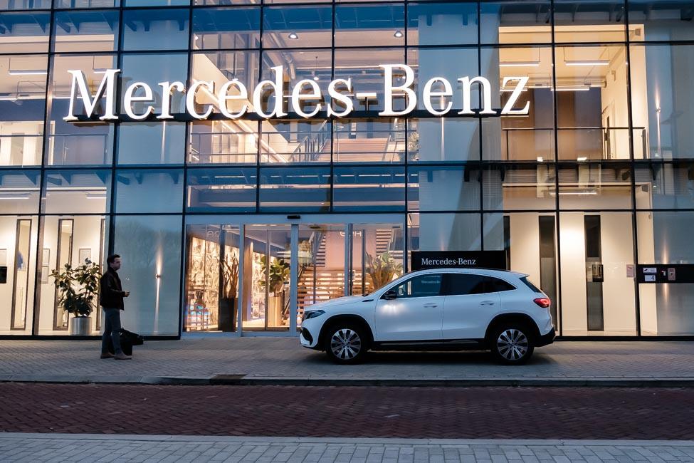 rijtest Mercedes-Benz EQA hoofdkantoor