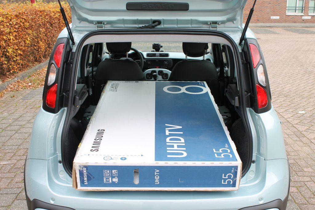 Samsung tv in Fiat Panda