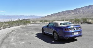 Autoverhalen Mustang in de woestijn