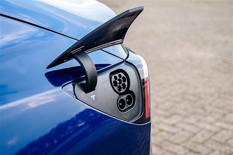 laadsnelheid Tesla Model 3 blijft gelijk. Range = +20 km
