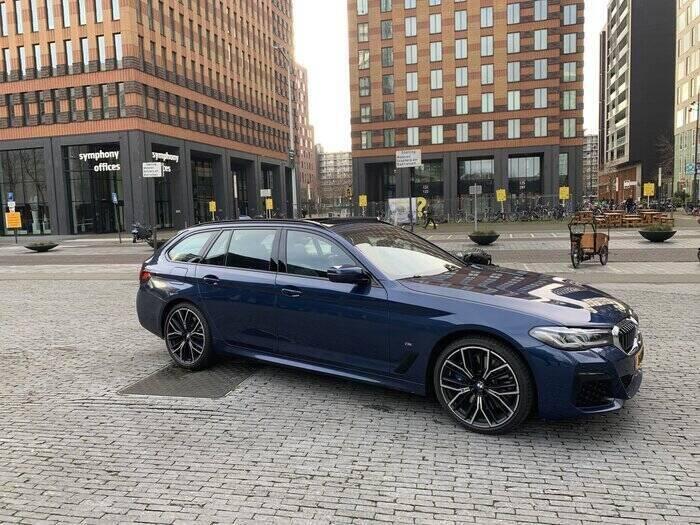 rijtest BMW 530d Zuidas Amsterdam