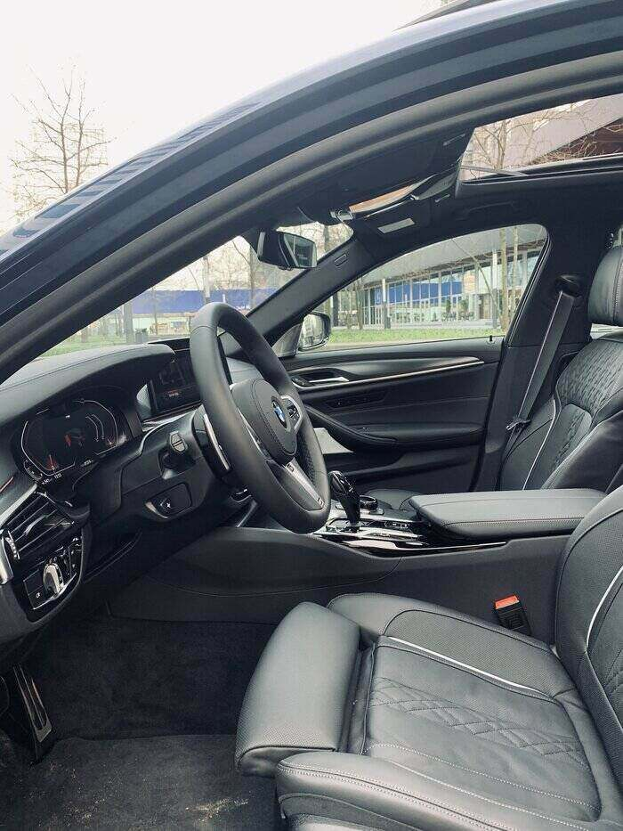 rijtest BMW 530d interieur