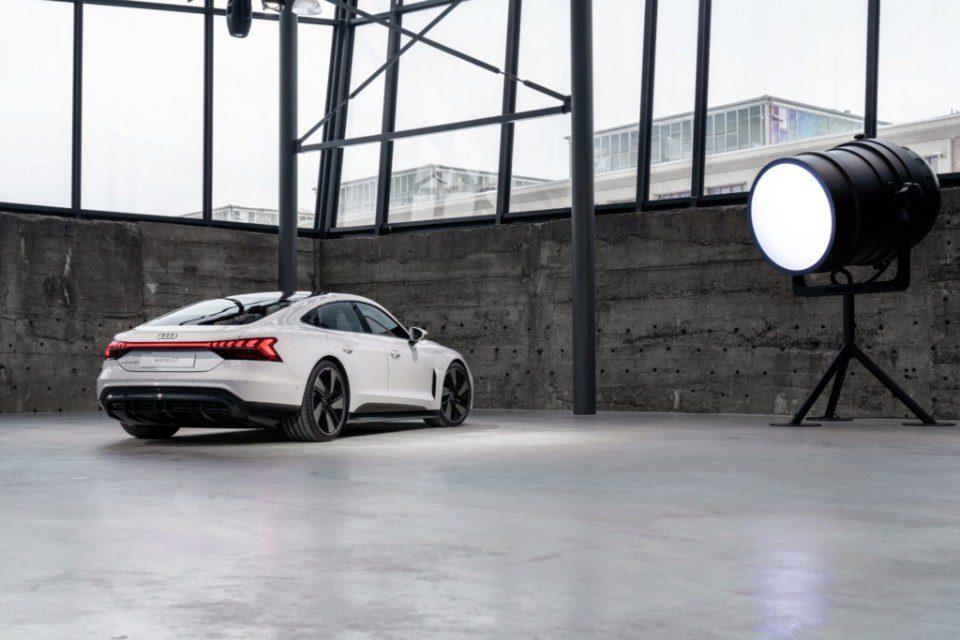Audi e-Tron GT back