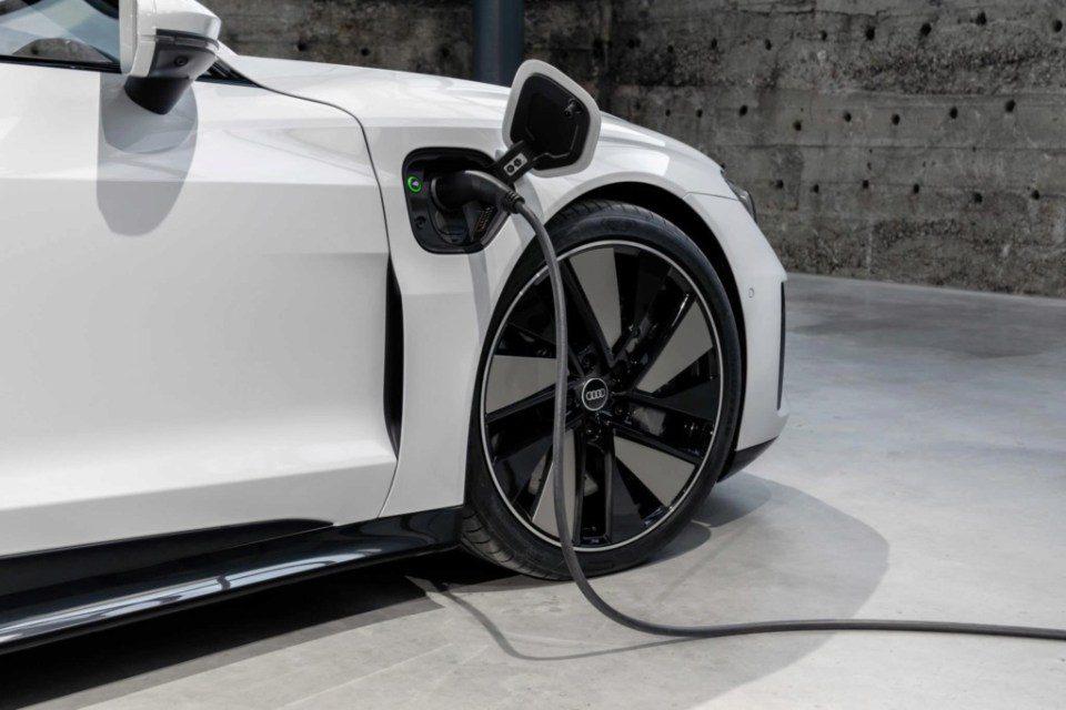 Audi e-Tron GT stekker