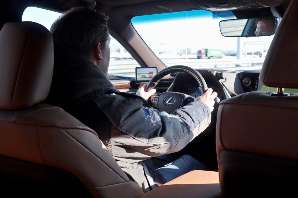 Maarten in de Lexus ES300h
