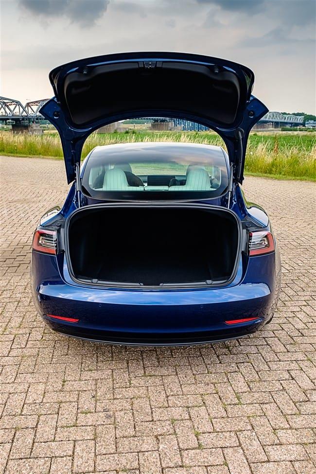 543 liter bagageruimte Tesla Model 3