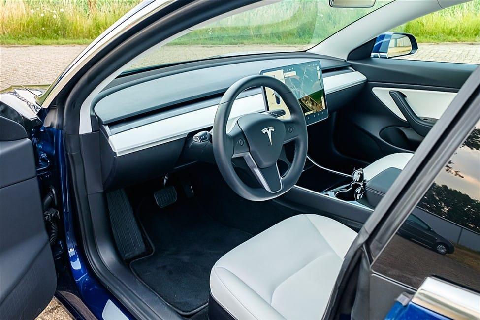 weinig knoppen Tesla Model 3 witer interieur