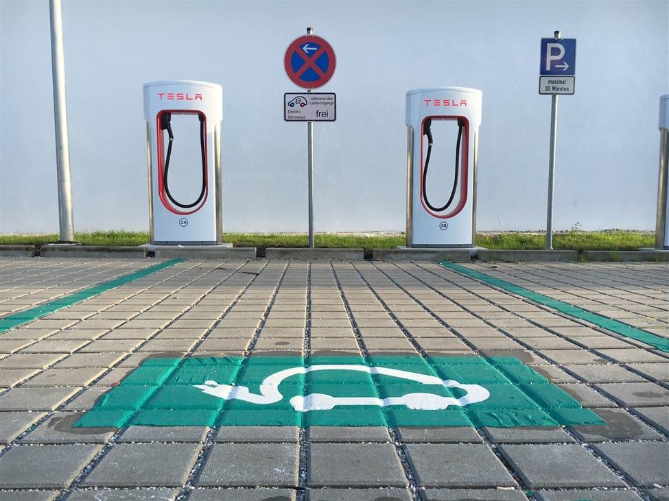 buitenlandse Tesla Superchargers