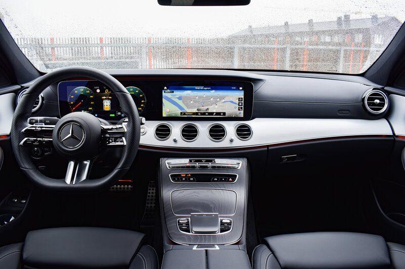 Het interieur van de Mercedes-Benz E 300 e Business Solution AMG
