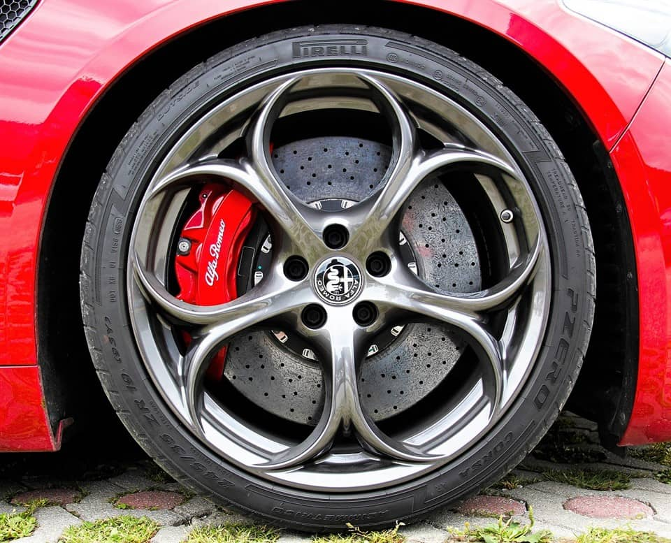 remklauw Alfa Romeo rood
