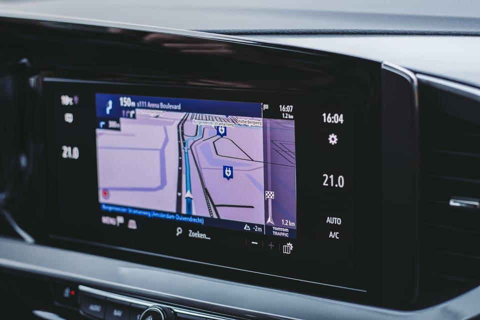 oplaadpuntenweergave worden weergegeven op het navigatiesysteem