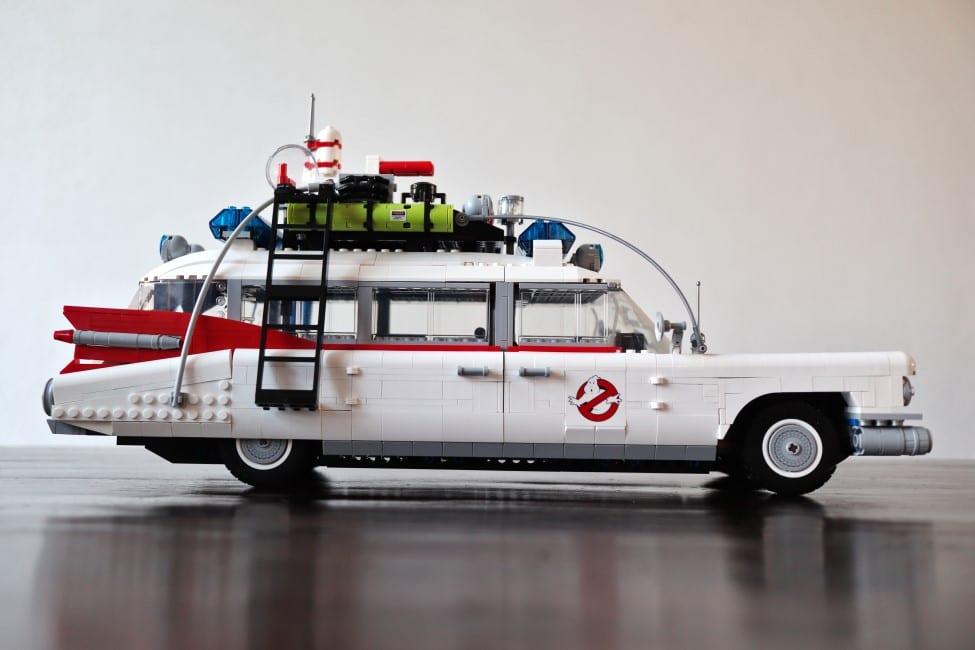 LEGO ECTO-1 van de zijkant