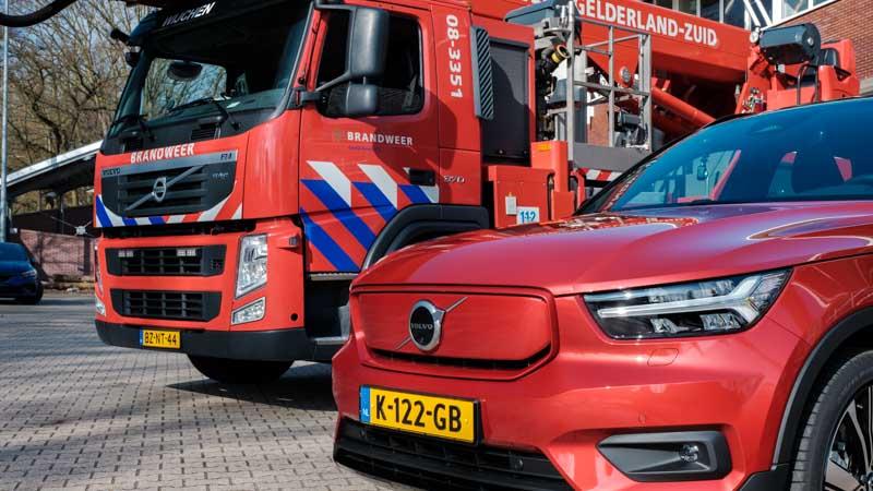 rode brandweerauto rode Volvo XC40 P8