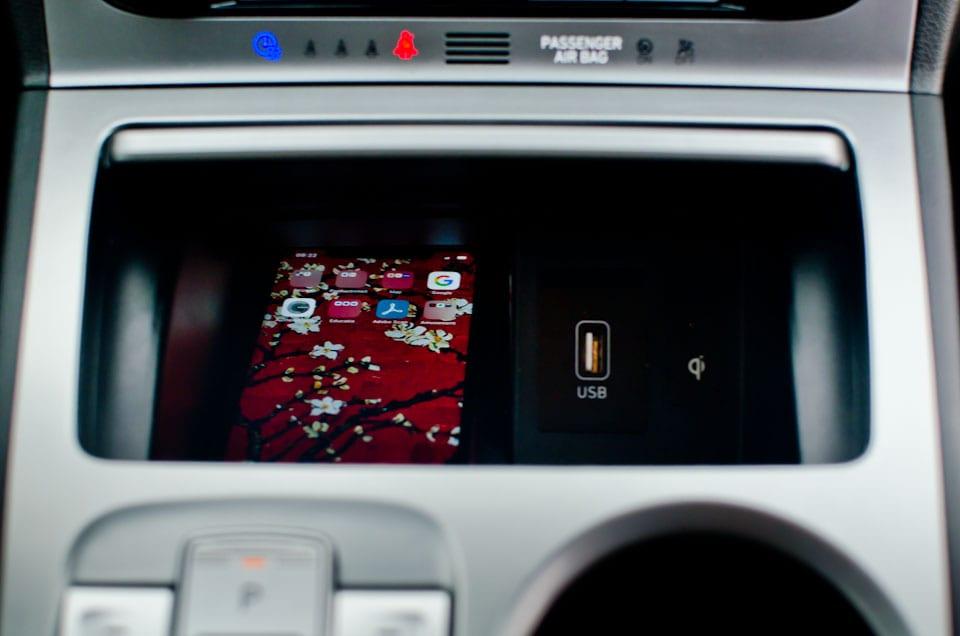 Draadloos opladen, USB-poort in auto, opbergvak