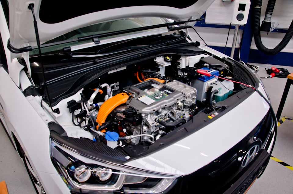 Hyundai Ioniq Hybrid, motorruimte, engine bay, doorzichtige motor