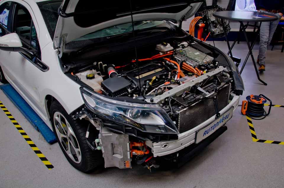 Opel Ampera, gestript, hybridetechniek en motor
