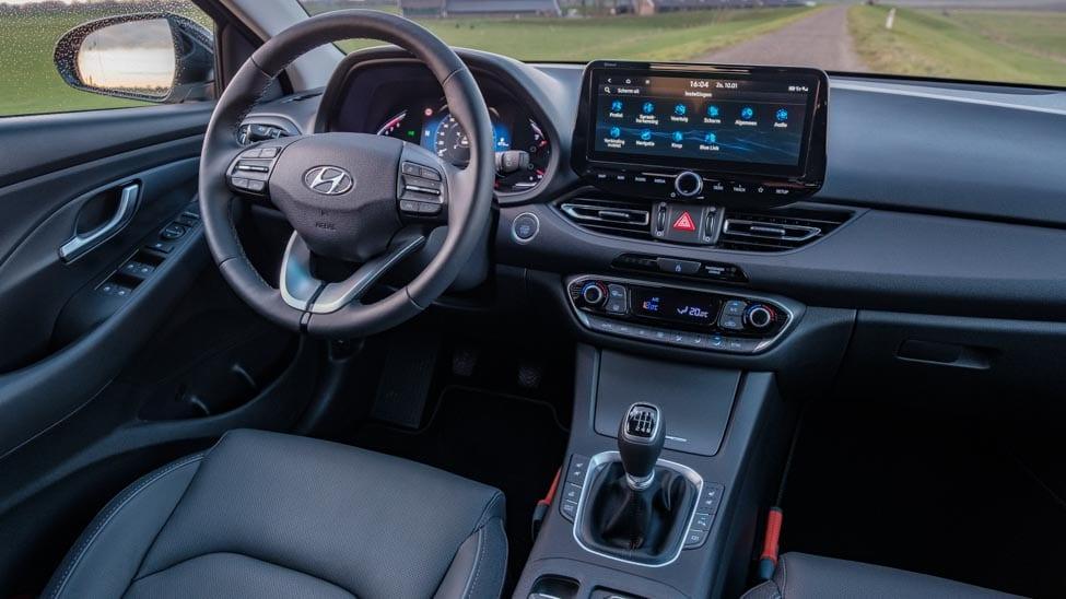 2021 Hyundai i30 dashboard met 10,25 inch touchscreen