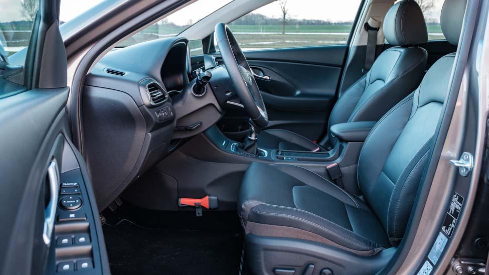 2021 Hyundai i30 bestuurdersstoel lederen bekleding en elektrisch bediend