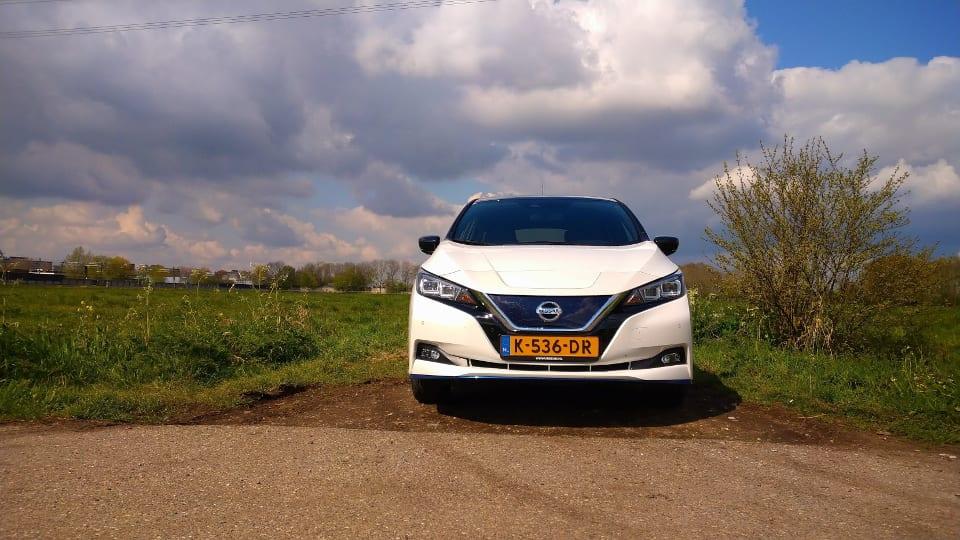 Voorkant Nissan Leaf