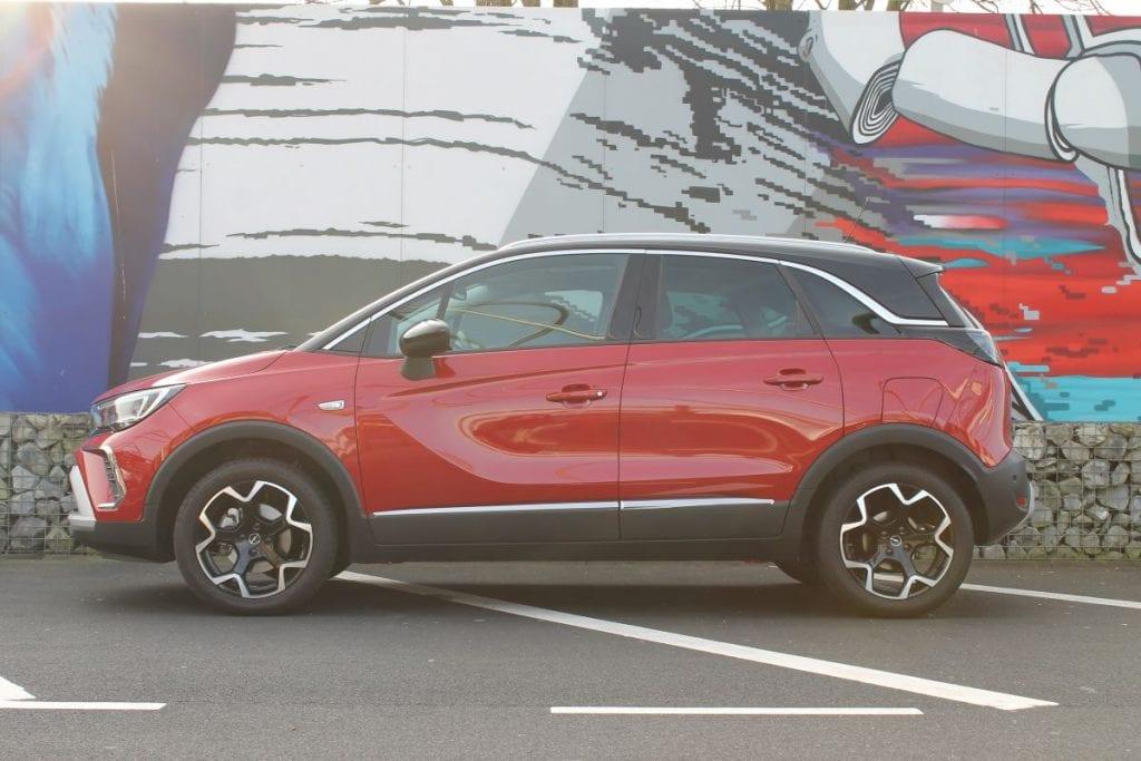 Opel Crossland zijkant