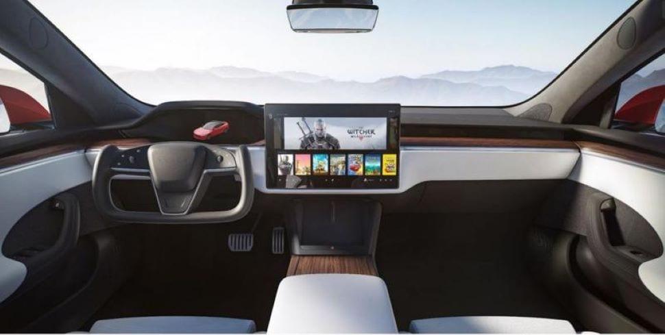 Het vernieuwde Tesla Model S en X interieur inclusief ruimteschipstuur