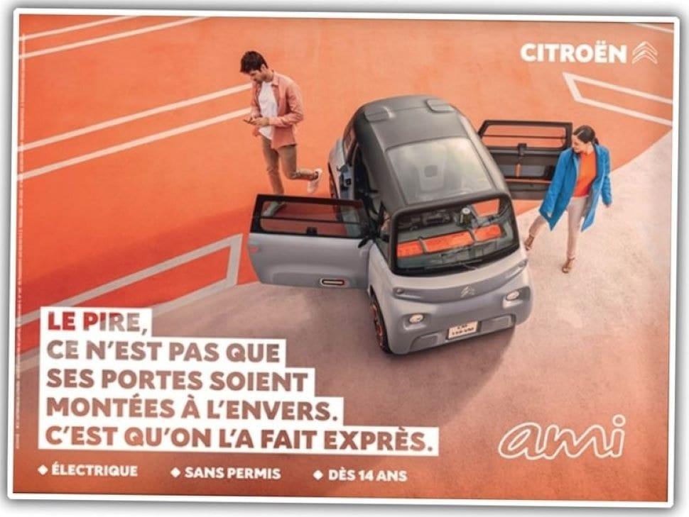 """Deze poster van de Ami luidt: """"Het ergste is niet dat we de deuren verkeerd om gemonteerd hebben, maar dat we het expres hebben gedaan."""""""