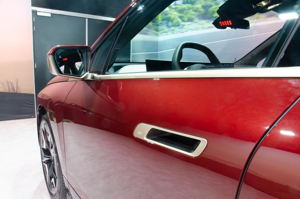 Open deurgreep BMW iX, linker voorportier