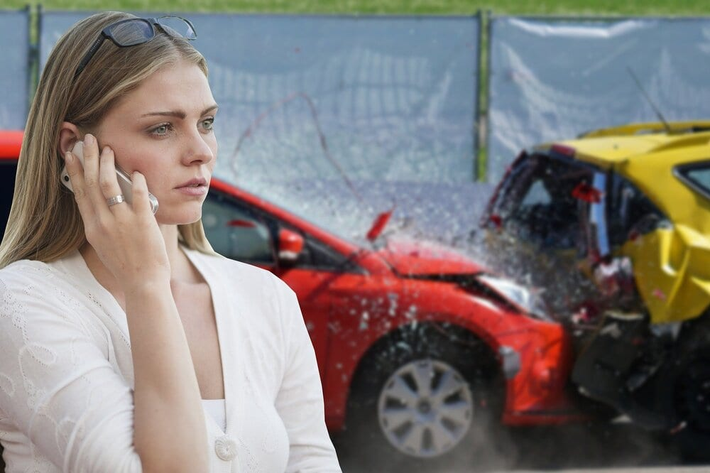 Vrouw met autopech