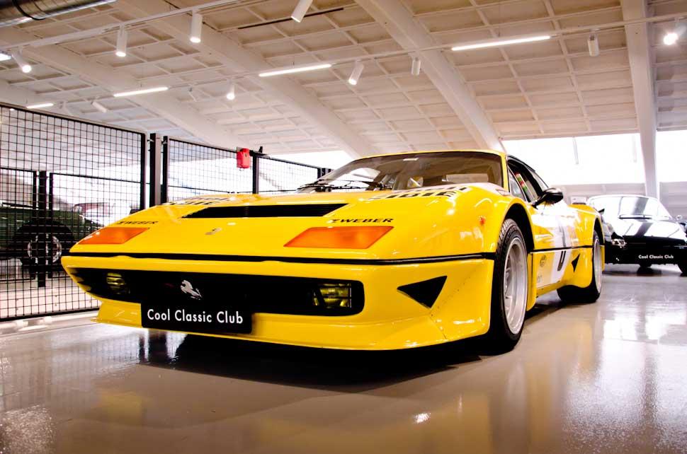 Gele Ferrari 512 BB