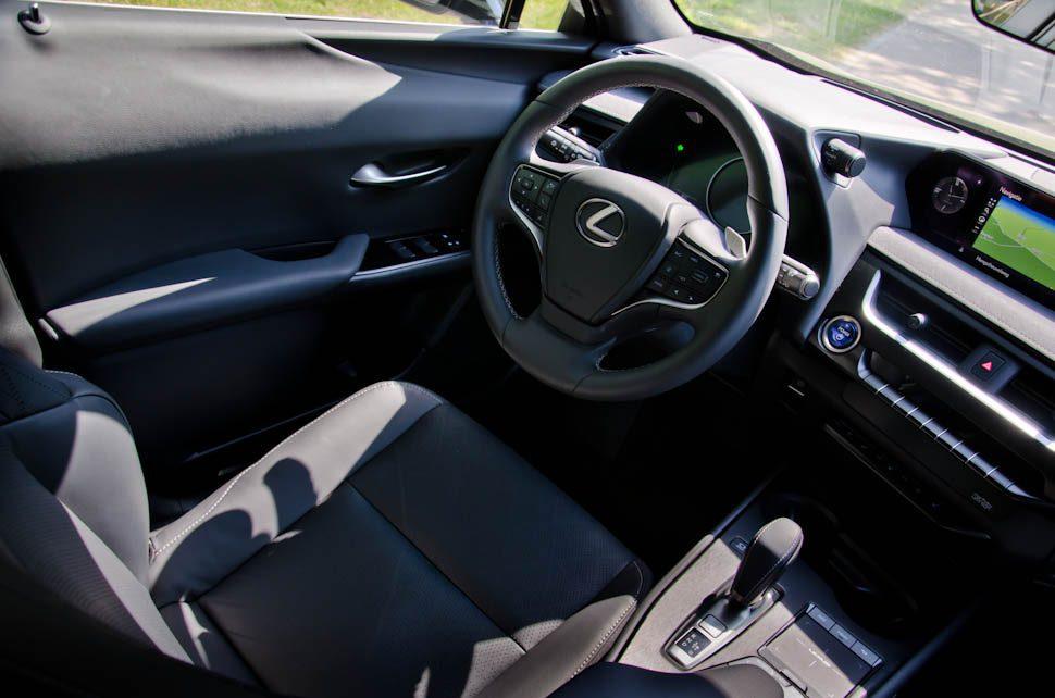 zwart interieur Lexus UX