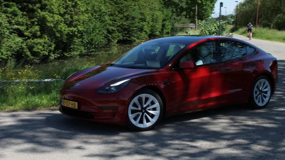 Rijshot Tesla Model 3 SR+
