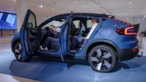 Volvo C40 geopende portieren
